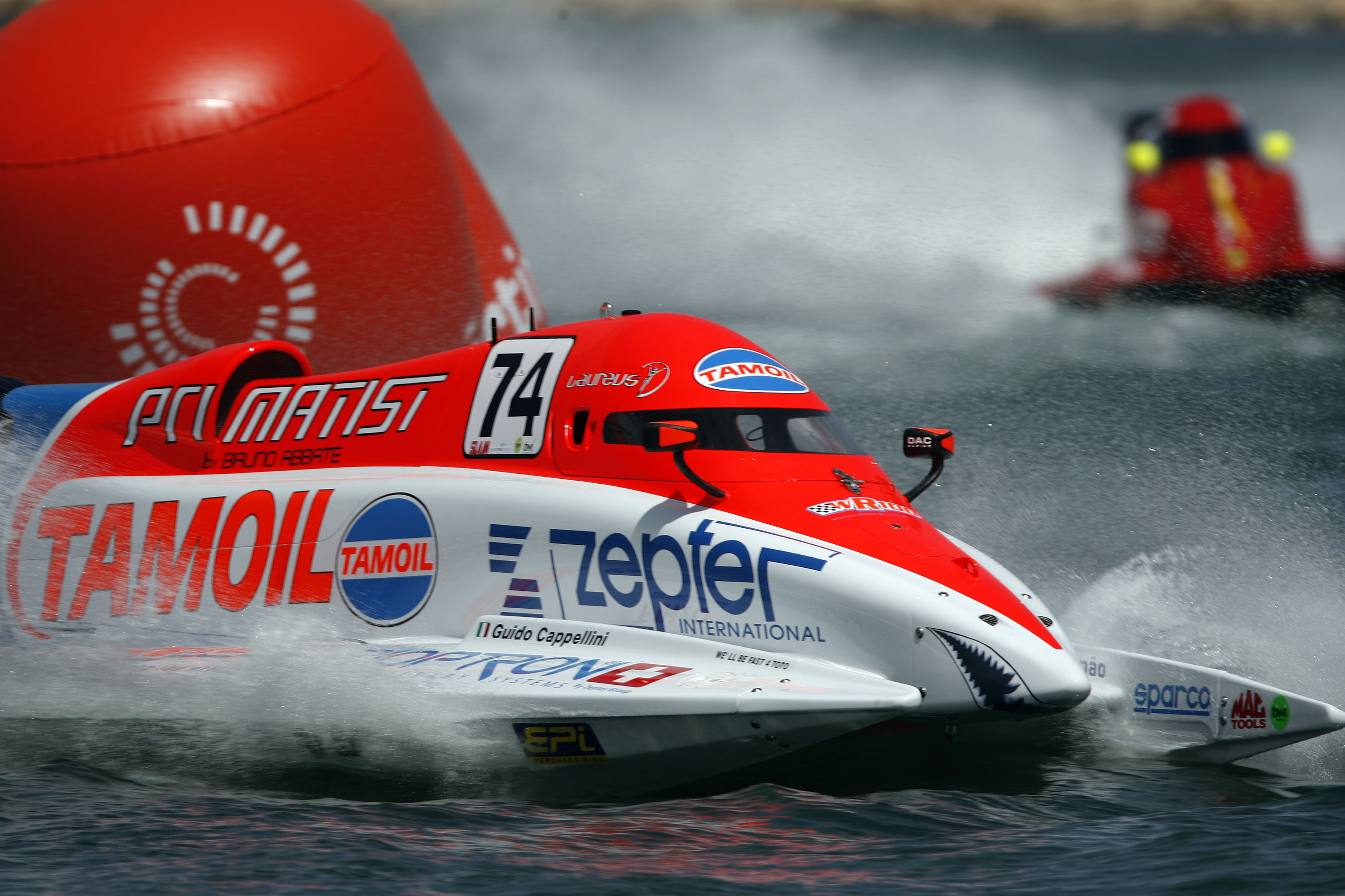 020508-GP OF PORTUGAL-PL-Guido Cappellini of Italy F1 powerboat team pictured in action at the UIM F1 Powerboat Grand prix of Portugal, Portimao, Portugal, the 2nd leg of the championship series. Picture by Paul Lakatos/Idea Marketing.