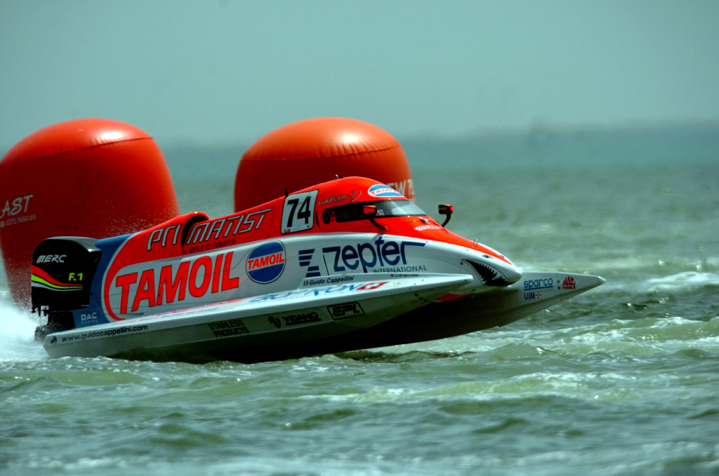 Doha - Qatar - 28 March, 2008 - Timed Trials for the Qatar Grand Prix at Doha Corniche: Guido Cappellini Tamoil Team. This GP is the 1th leg of the UIM F1 Powerboat World Championship 2008. Picture by Vittorio Ubertone/Idea Marketing.