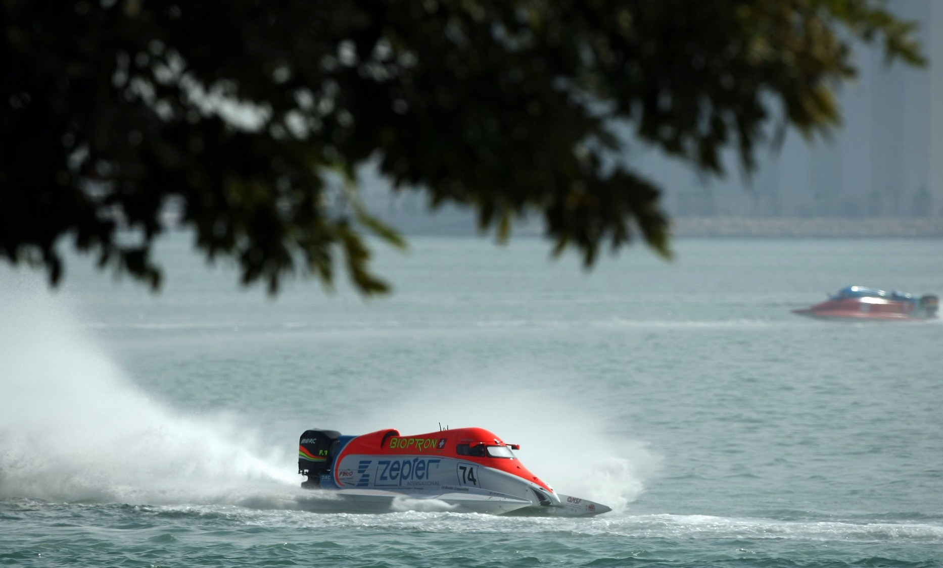 GP OF QATAR-271109-Guido Cappellini of Italy of the Zepter team in action in preparation for the UIM F1 Powerboat Grand Prix of Qatar, on the Doha Corniche, Doha, Qatar, the race days are November 27-28, 2009. Picture by Paul Lakatos/Idea Marketing.