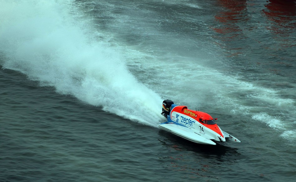 GP OF SHARJAH-101209-Guido Cappellini of Italy of the Zepter team in action for the UIM F1 Powerboat Grand Prix of Sharjah on the Khalid Lagoon, December 10-11, 2009.  Picture by Paul Lakatos/Idea Marketing.