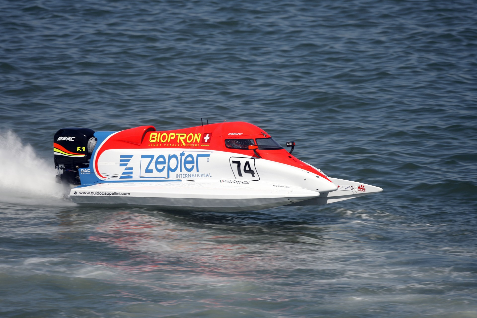 040409-PL-Guido Cappellini of Italy of the Zepter Team in action during the Grand Prix of Portugal, Portimao. The 1st race of the UIM F1 Powerboat Grand Prix season for 2009. Picture by Paul Lakatos/Idea Marketing.